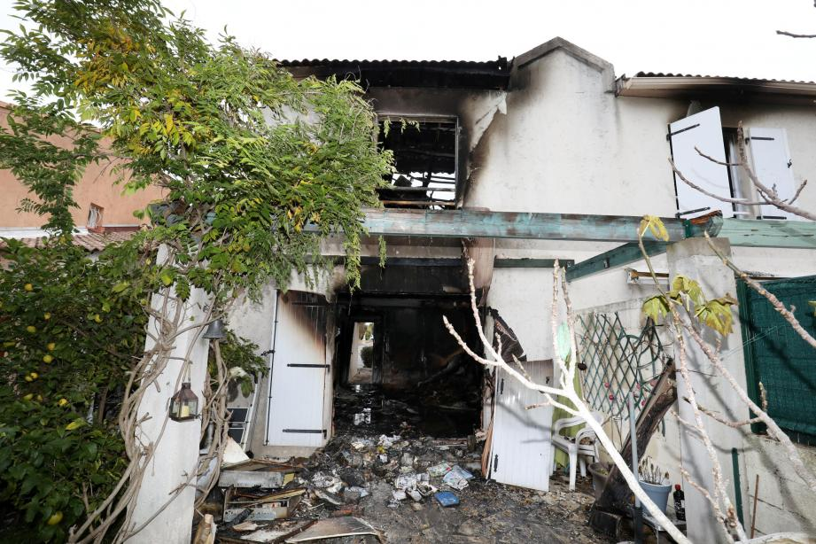Voici ce qu'il reste de la maison à Saint-Raphaël.