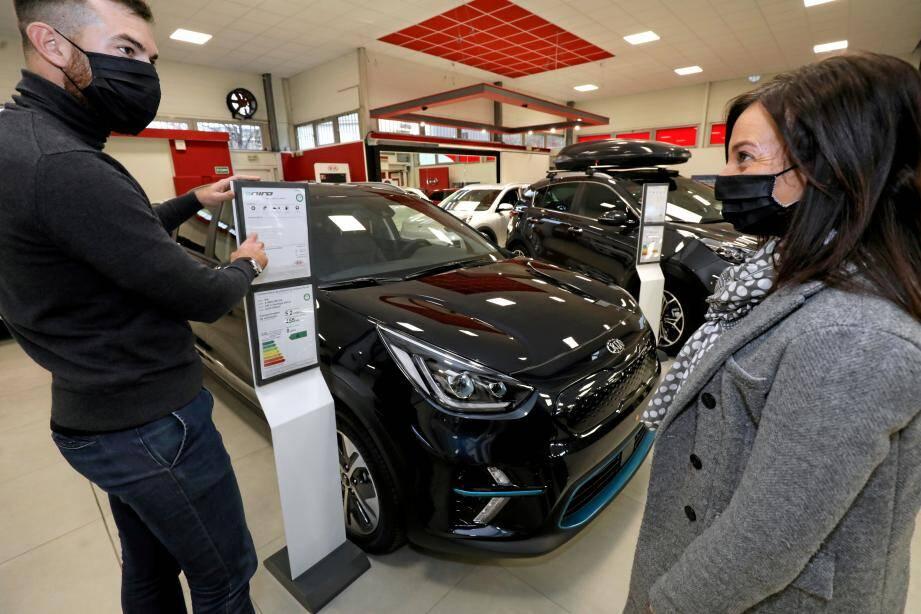 Le SUV E-Niro est l'un des modèles 100% électriques de la gamme Kia. Et aussi leur best-seller.