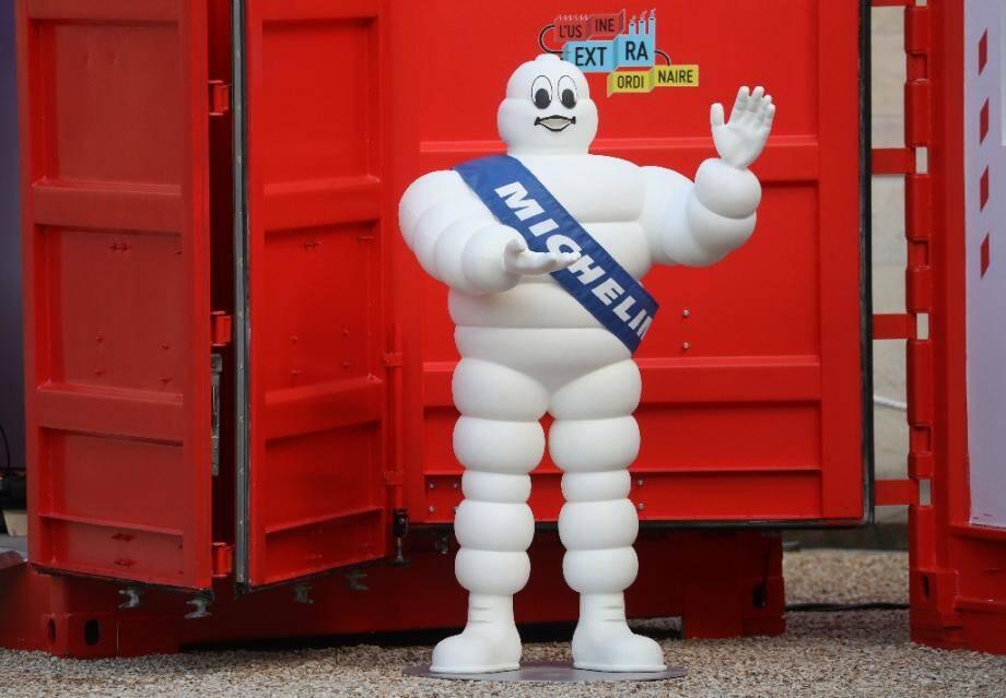 """Le groupe Michelin a annoncé mercredi qu'il allait supprimer jusqu'à 2.300 postes en France, sans départs contraints, dans le cadre d'un """"plan de simplification et de compétitivité"""""""