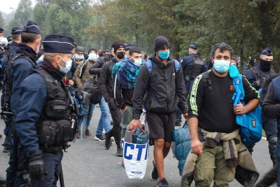 Evacuation d'un camp de migrants le 29 septembre 2020 à Calais