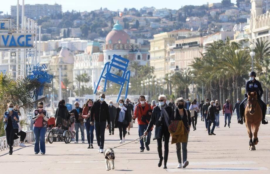 La promenade des Anglais, à Nice, pendant le confinement partiel, samedi 13 mars 2021.
