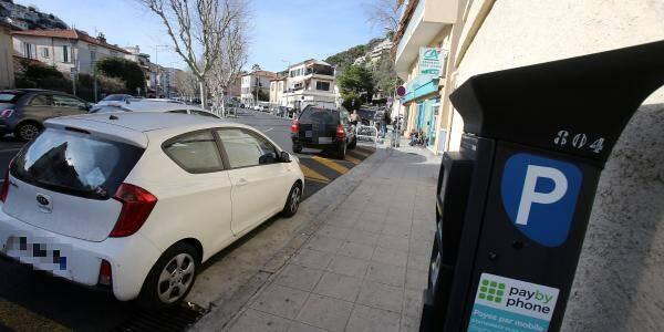 Le stationnement gratuit prolongé à Nice.