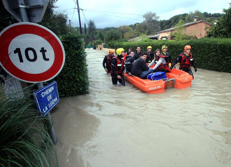 Tout un quartier immergé à La Colle-sur-Loup - 14922375.jpg
