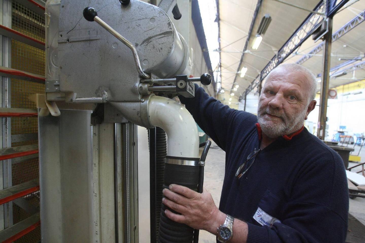 Philippe travaille depuis 32 ans à AnsaldoBreda à l'atelier menuiserie.(Photos A.B.-J)