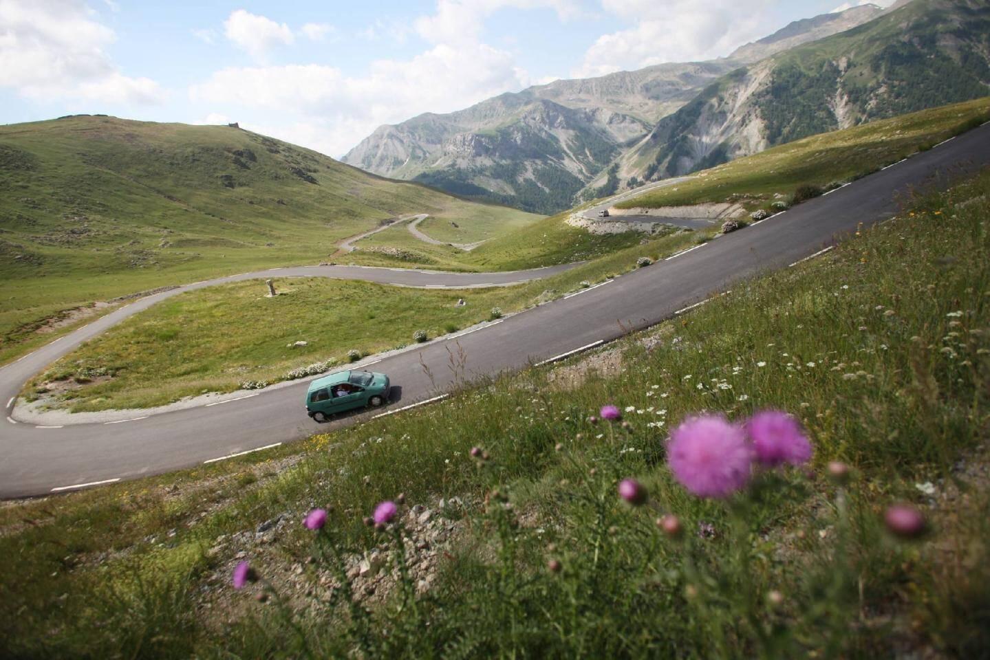 La route de la Bonette, incontournable liaison entre la Méditerranée et les Alpes.