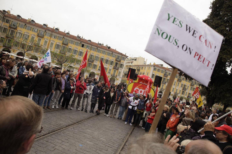 Un défilé du 1er mai  très politisé hier à Ni - 16849266.jpg