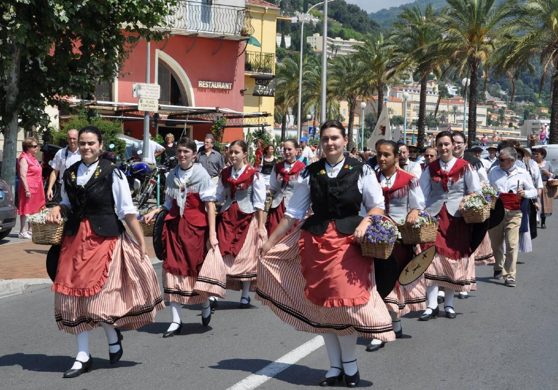 Les danseuses de La Capeline feront vivre la tradition folklorique.