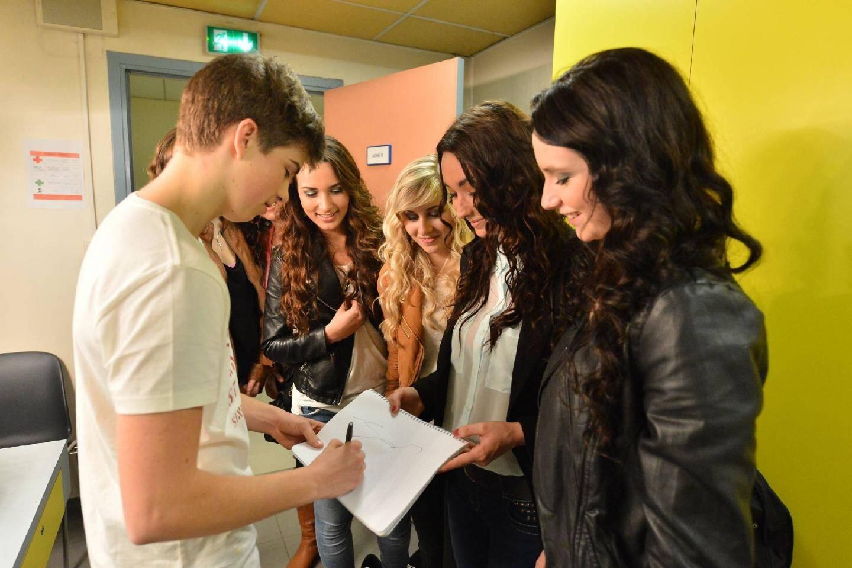 Séance d'autographes à l'issue du concert.