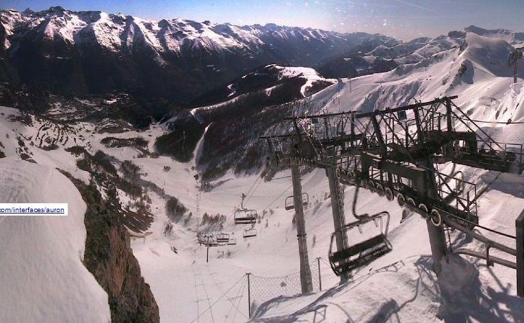 Le sommet du Dôme à Auron ce lundi matin à 10h, avant l'avalanche.