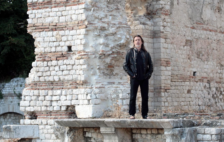 Florent Pagny tournait, hier, le clip des Murs porteurs dans les ruines romaines de Cimiez à Nice.