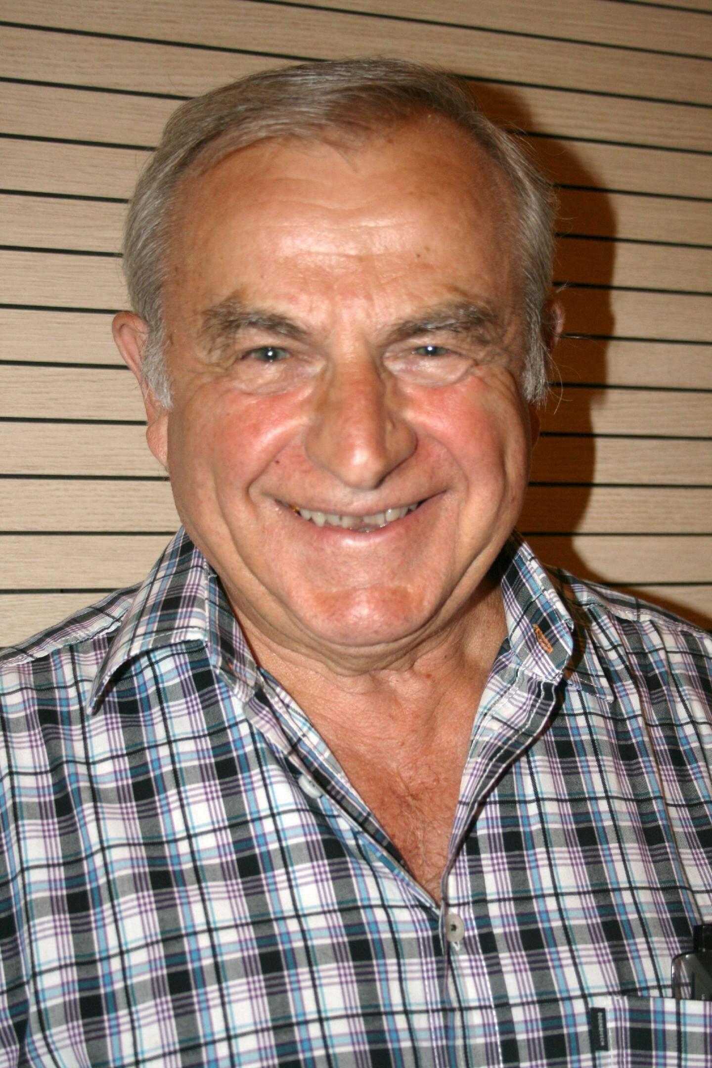 Michel Calmet, tête de liste, premier adjoint en 2001 et 2008, conseiller communautaire en 2013.