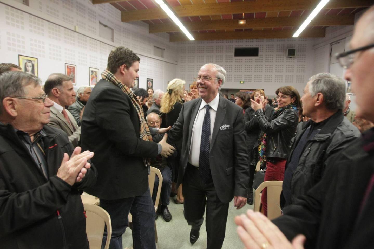 Hier soir, Alain Gumiel s'est vanté du soutien de Patrick Biondo. Au même instant, à un jet de pierre, ce dernier tenait des propos très différents.