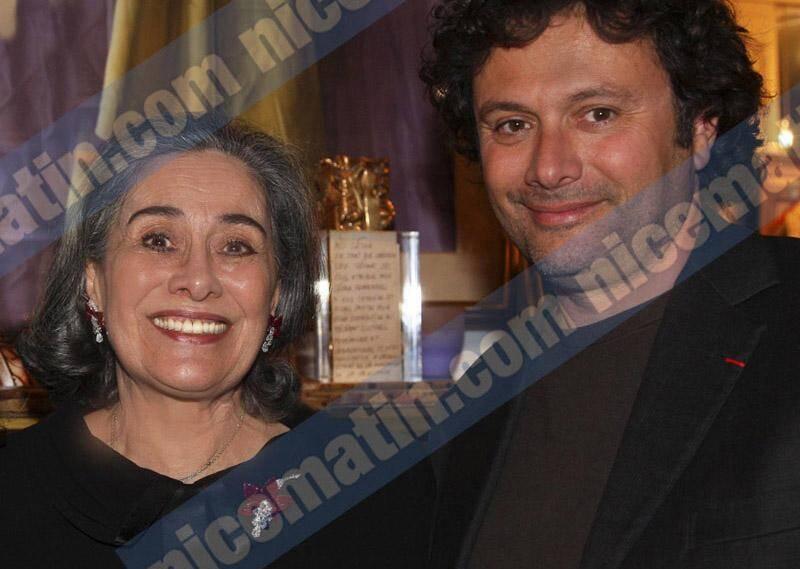 Hélène Pastor ici lors de la remise de la Légion d'honneur à son fils Gildo (à droite) en avril 2011