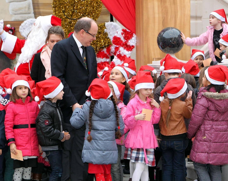 Le prince Albert II a gâté les bambins au pal - 27747428.jpg