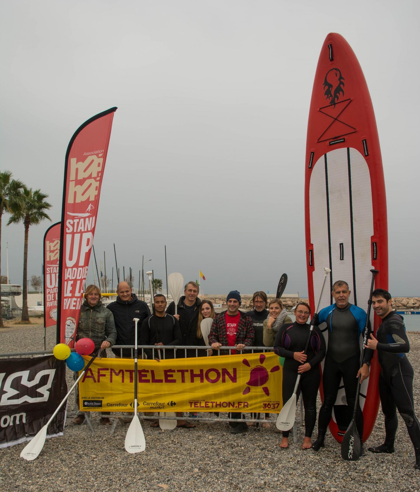 Même pas peur de la pluie l'association Hoé-Hoé stand up paddle !