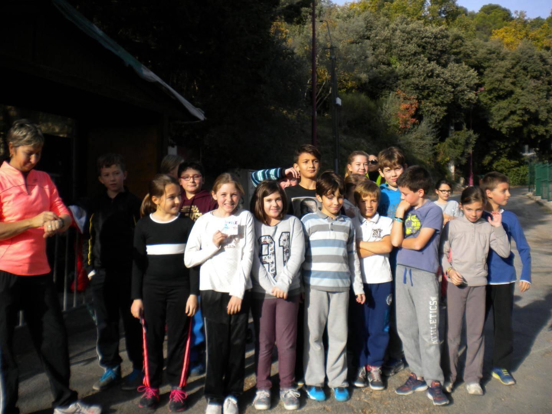Les écoliers sont venus courir pour la bonne cause.