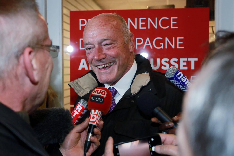 En Aquitaine - Limousin - Poitou-Charentes, le socialiste Alain Rousset devra batailler ferme contre ses deux adversaires, qu'il distance faiblement.