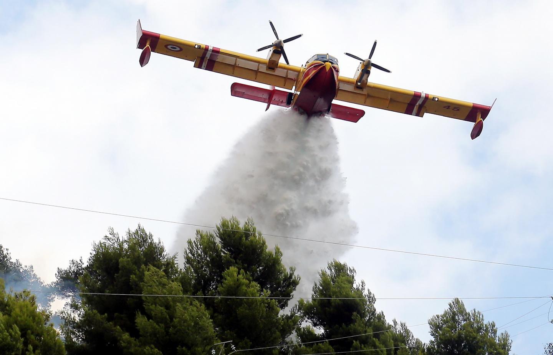 Les Mentonnais ont assisté au ballet des hélicoptères bombardiers d'eau sur les hauteurs de Garavan.