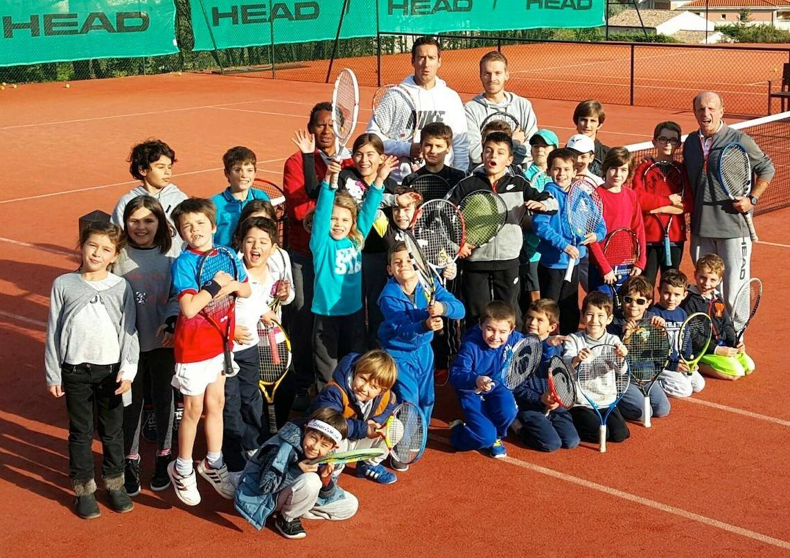 au Tennis-club municipal.