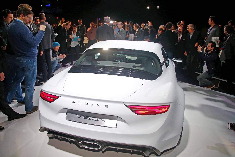 À la croisée des chemins entre le mythe et la future réalité, la marque Alpine a repris son envol hier.