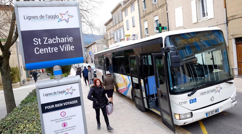 Depuis que le bus s'est développé à Saint-Zacharie, la circulation au centre-ville est beaucoup plus fluide.