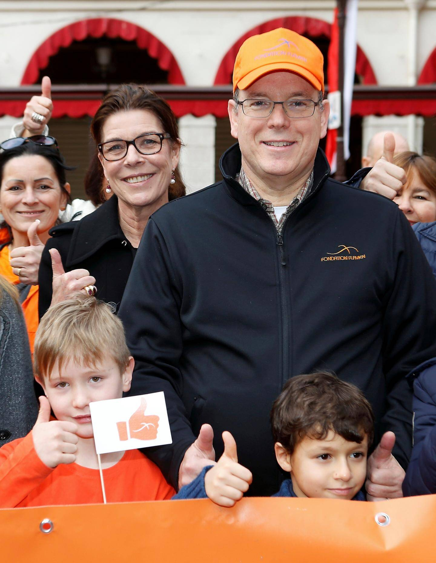 La princesse Caroline a rejoint le cortège, place d'Armes, pour soutenir l'action de la Fondation qui lutte contre les cancers pédiatriques.
