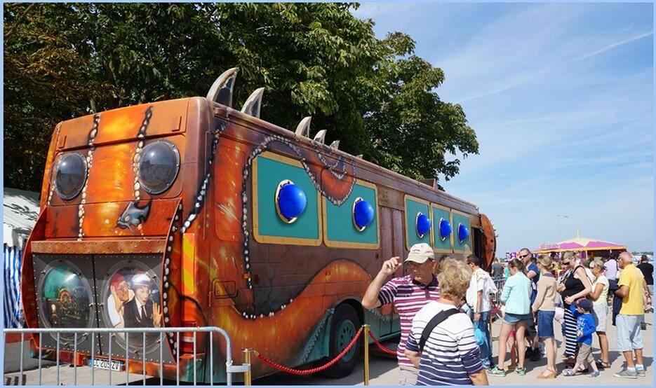Le Nautiloscope, étonnant sous-marin roulant, est attendu au port d'Hyères.