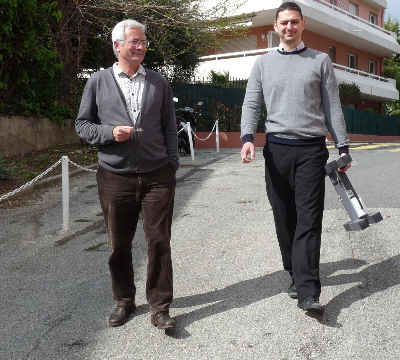 Joël Faguet, créateur de la coopérative acticop accompagne Guillaume Hugues, jeune innovateur.