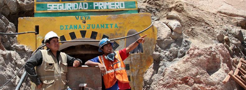 « Seguridad primero » - « la sécurité d'abord » -, peut-on lire au fronton de cette mine exploitée sous contrôle de l'ONG ARM.