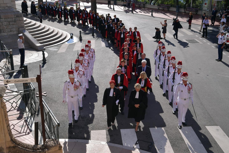 Comme il est de tradition, l'audience solennelle était précédée par une messe et une procession.