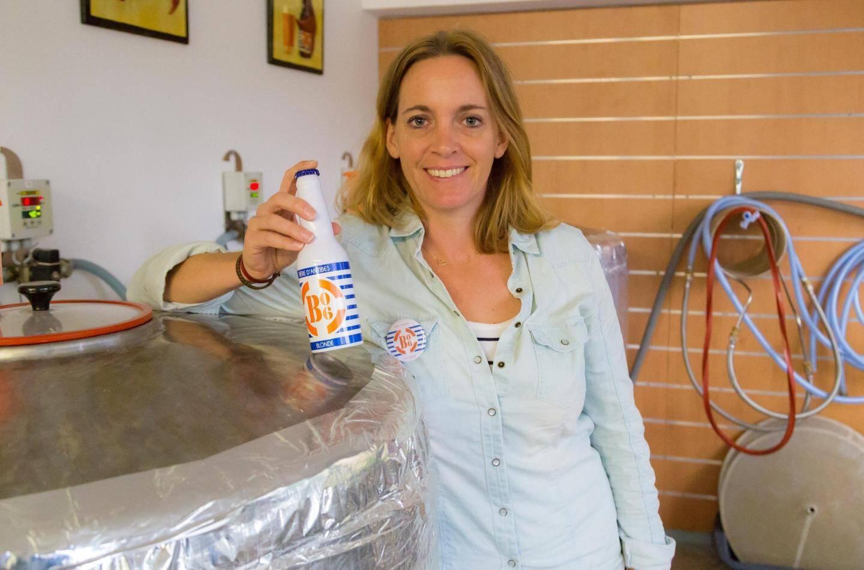 Sans se mettre la pression, Solène Ronnaux-Baron a prouvé qu'on pouvait brasser des affaires en faisant ce qu'on aime. La réussite est concentrée dans ses petites bouteilles en aluminium!