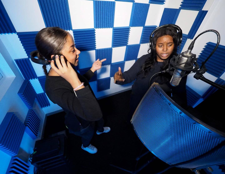 En face du collège Maurice-Jaubert, un studio d'enregistrement bientôt ouvert aux gamins du quartier a été créé.