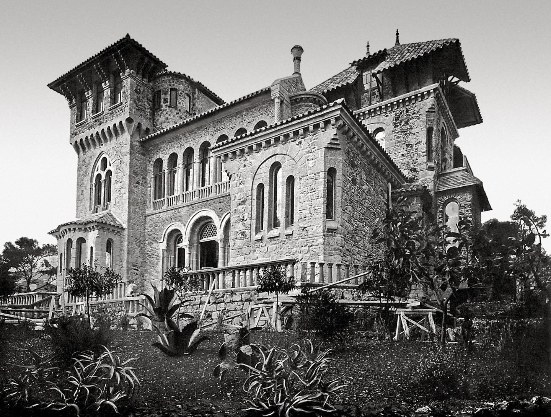 Style romano-gothique pour la Torre Clementina à Cap-Martin.