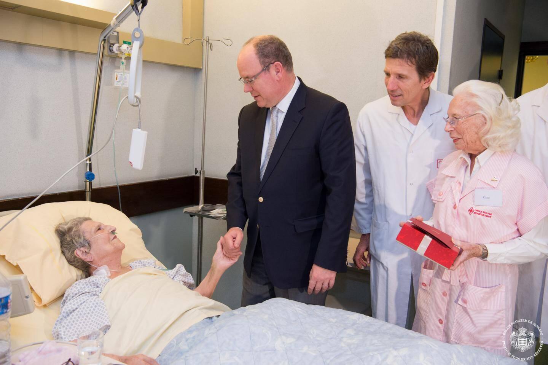 Le Souverain s'est rendu auprès des patients de la chirurgie digestive