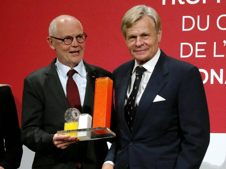 Mikaël Krafft félicité par Serge Telle, ministre d'Etat.