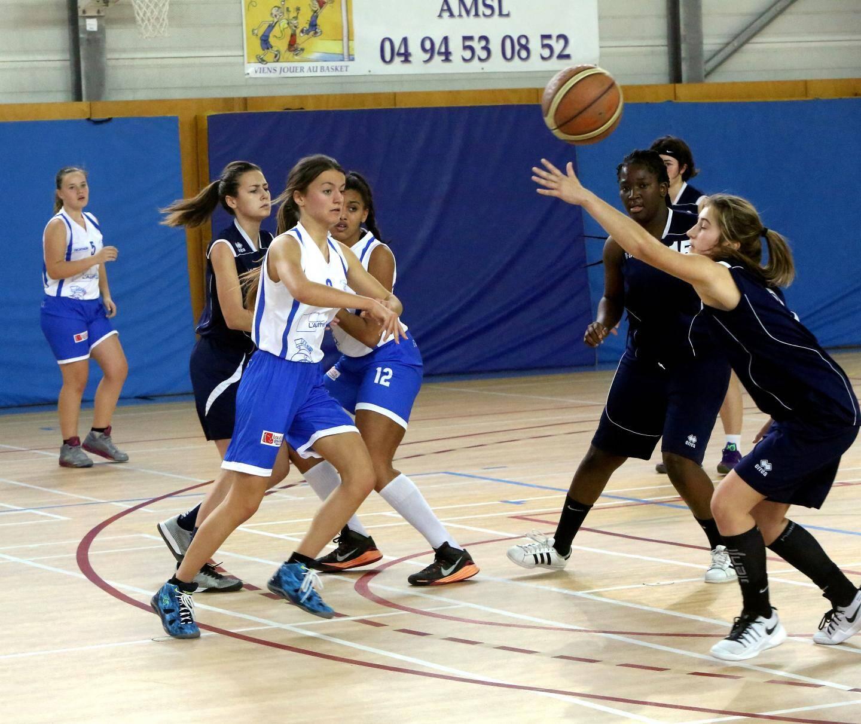 Les cadettes filles lors de leur match de championnat.