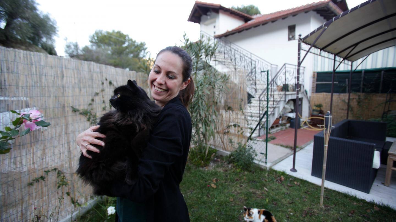 Céline Lamy travaille à menton et vit  sur les hauteurs de Vintimille.