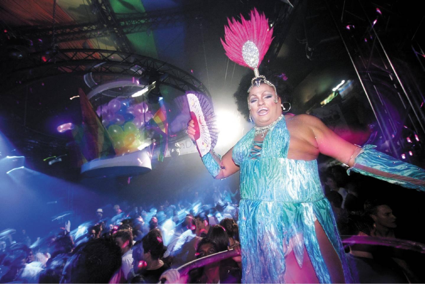 Miss Koka lors d'un show au High Club en 2008
