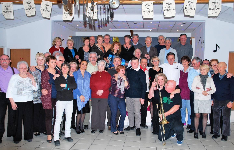La salle de la Farandole a accueilli la fête organisée avec les musiciens de l'Harmonie.
