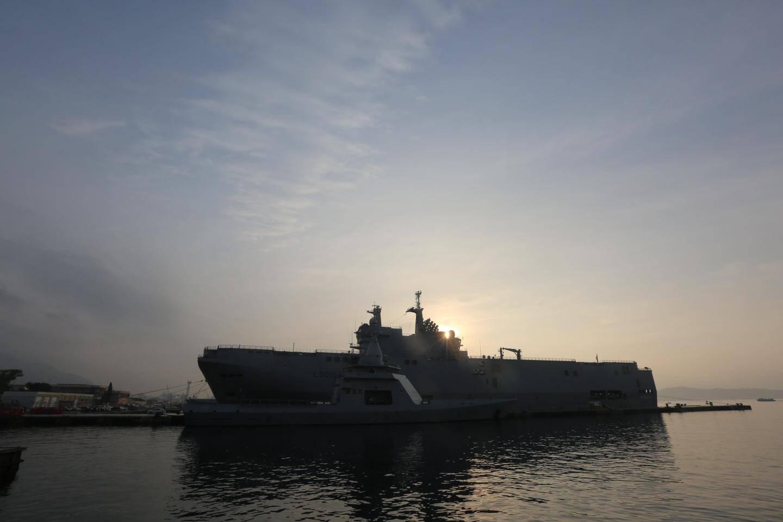 Le groupe amphibie Jeanne d'Arc, composé du porte-hélicoptères Mistral et de la frégate Courbet, a pris la mer pour une mission de près de cinq mois.