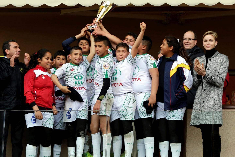 L'an dernier, les jeunes rugbymen de l'équipe tunisienne de Jemmel ont remporté la coupe remise par le couple princier.