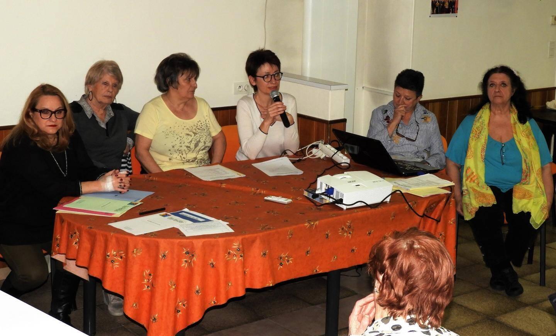 De g. à dr. ; le bureau : Letizia Perrone, Michèle Muller, Yveline Carletto, Isabelle Varitto, Marie-France Alfonsi, Brigitte Dugardin.