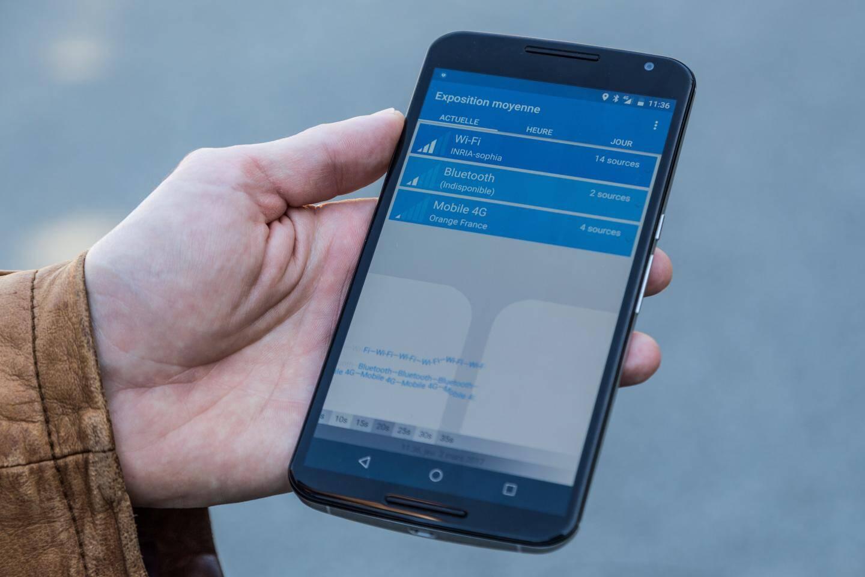 Avec l'appli électrosmart, développée pour Android, on peut mesurer son exposition aux ondes électromagnétiques.