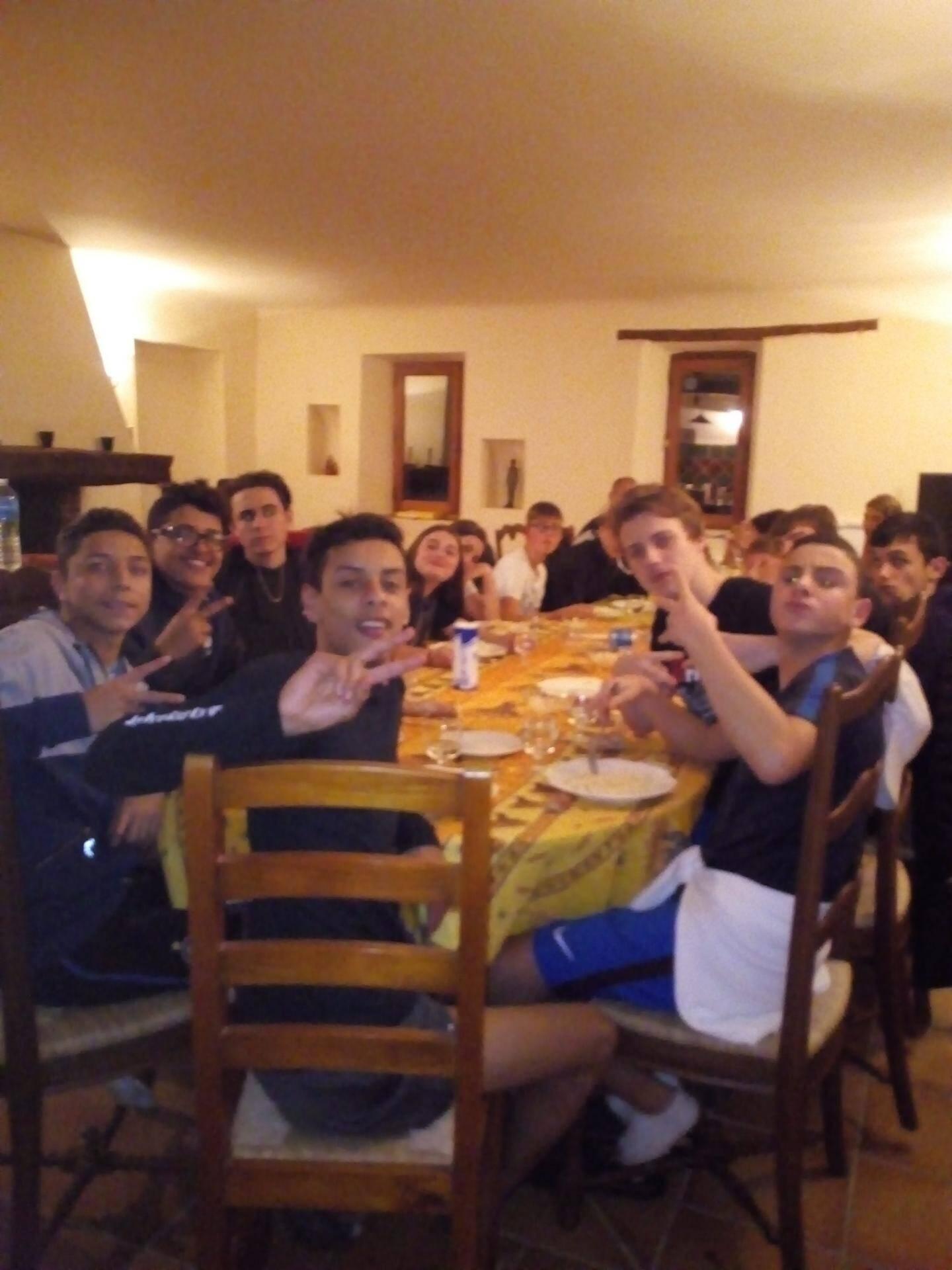 A Ollières, les ados ont partagé ensemble des repas qu'ils préparaient eux-mêmes.
