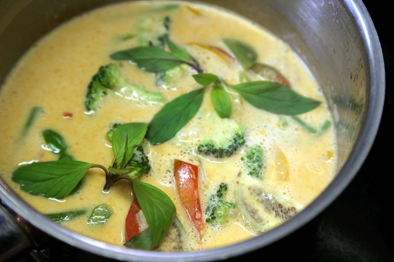 Le curry et les légumes