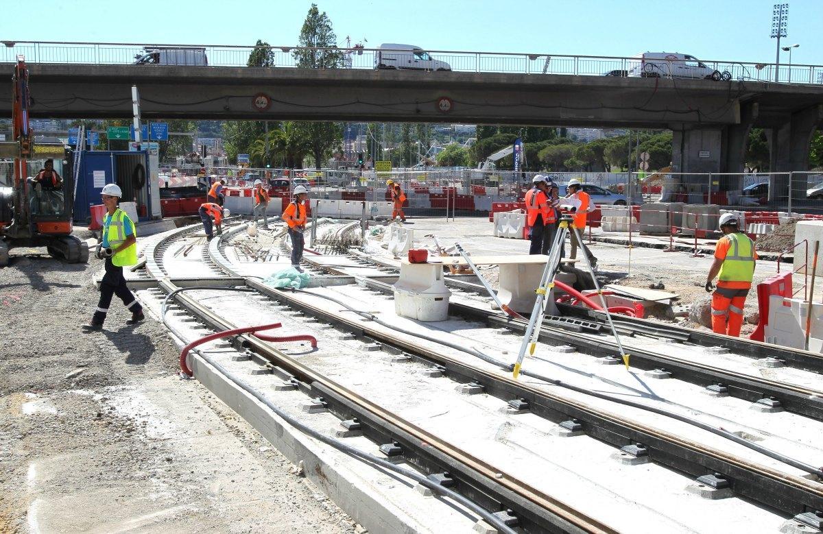 Le chantier du tramway, à la Digue des Français.