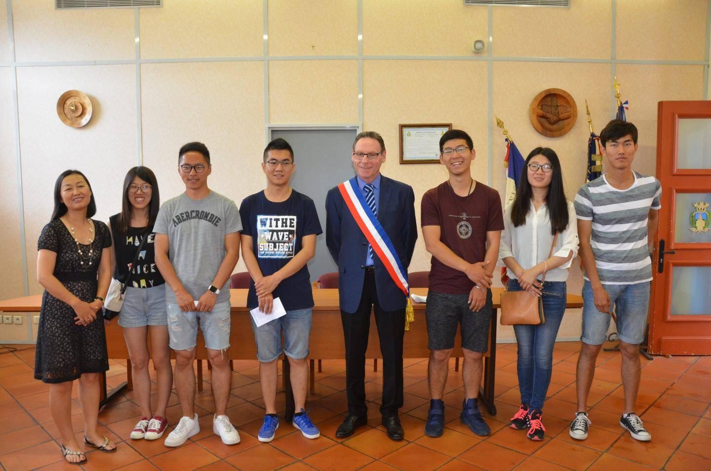 Les six jeunes gens en provenance de Tianjin étudient actuellement à l'École polytechnique de l'université de Nice.