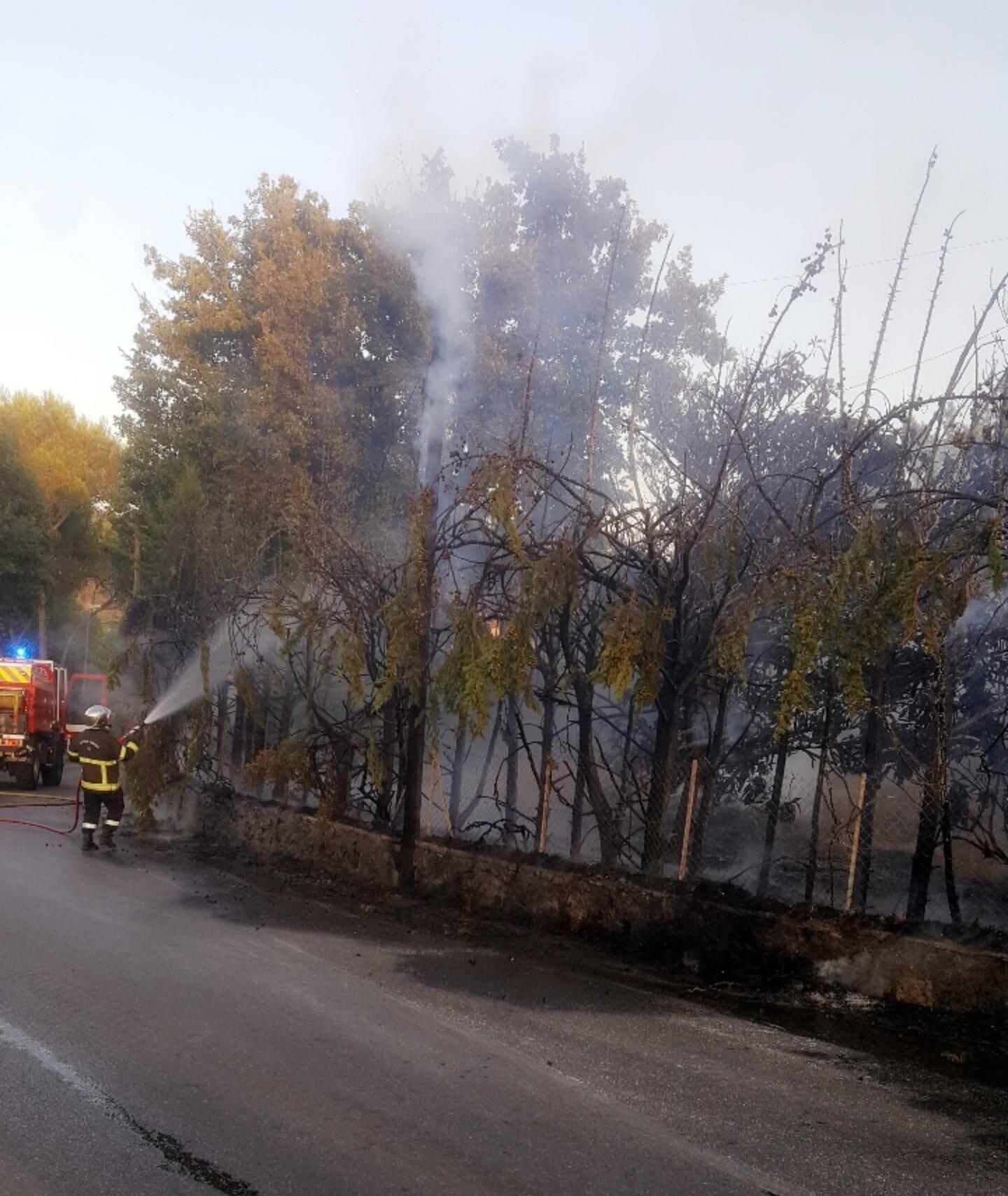 Les pompiers ont rapidement maîtrisé les flammes.