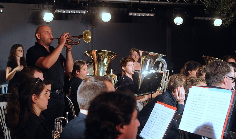 Marco Vezzoso à la trompette, on distingue les tubas.