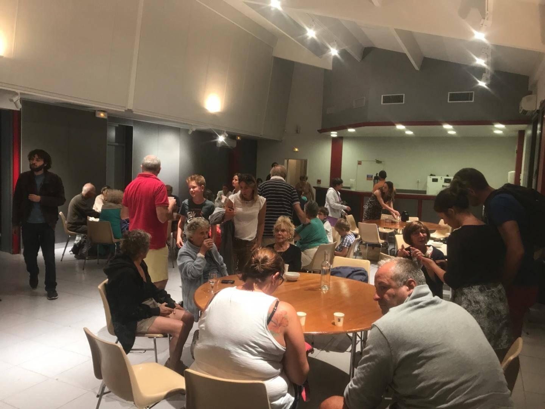 Quelque 150 personnes réfugiées à l'espace culturel Albert Raphaël,